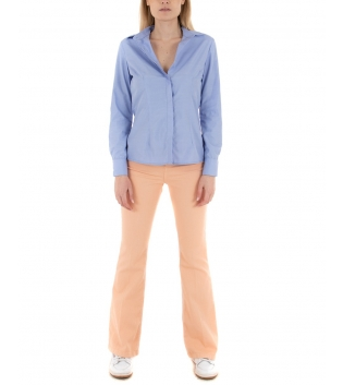 Outfit Donna Eiki Camicia Azzurra Pantalone Salmone Casual GIOSAL